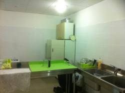 une-autre-vue-de-la-cuisine-le-cote-plonge.jpg